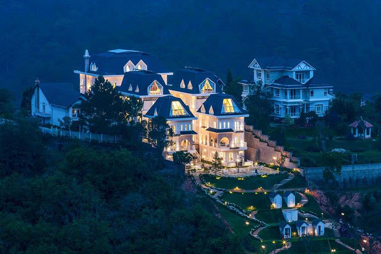 Khách sạn Dalat De Charme Village
