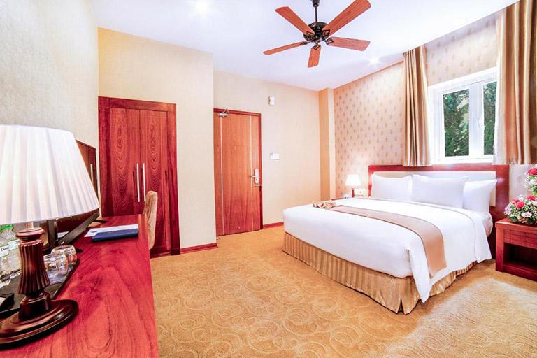 ladalat hotel review