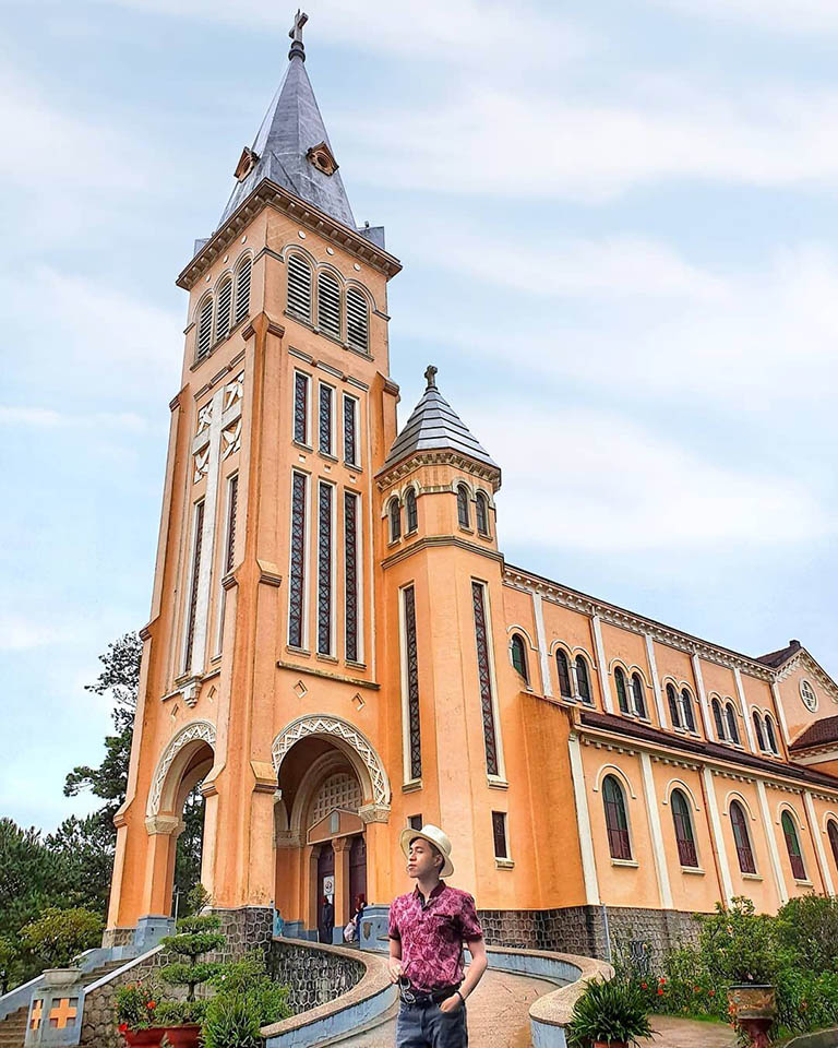 nhà thờ gần Hồ Xuân Hương Đà Lạt