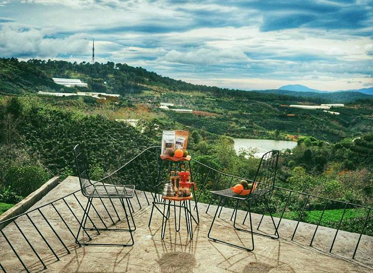 Quán cafe gần đồi chè Cầu Đất