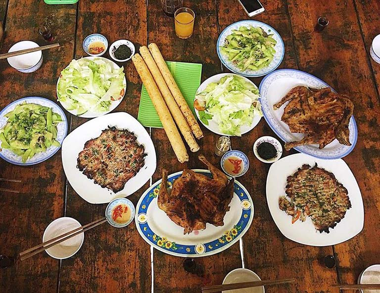 Quán cơm lam gà nướng Đà Lạt