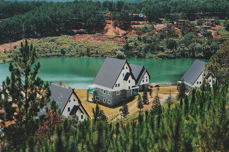 resort đẹp gần hồ tuyền lâm