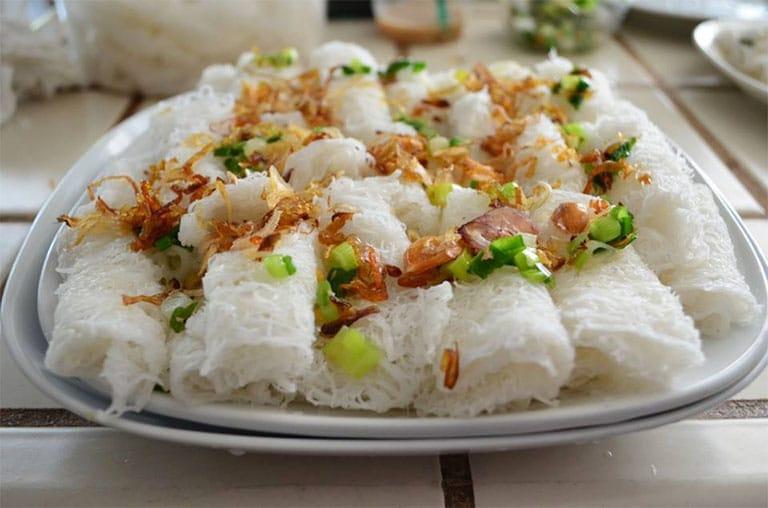 Tuy là món ăn dân giã nhưng ở Vũng Tàu bánh hỏi được chế biến công thức đặc biệt