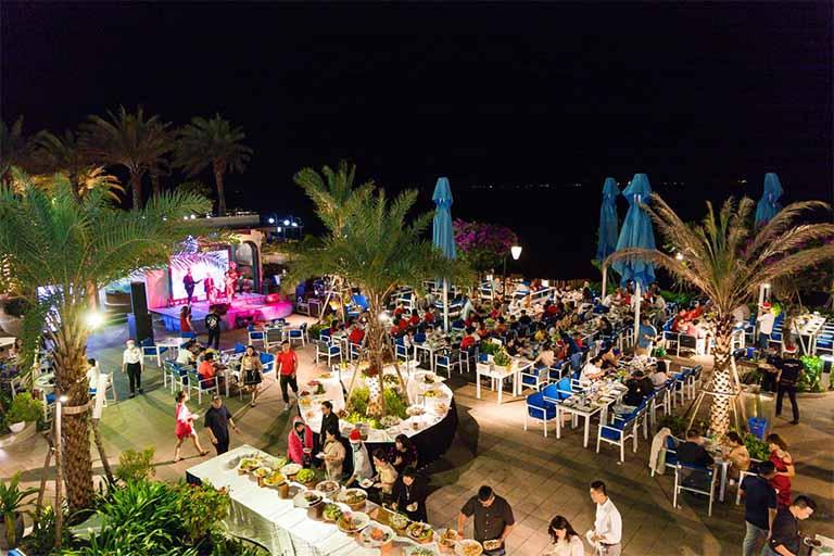Marina Club Vũng Tàu mang đến cho bạn một không gian yên tĩnh, gần gũi và những món ăn hải sản thơm ngon