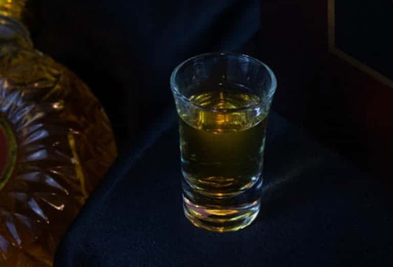 Rượu Bầu Đá đông trùng hạ thảo